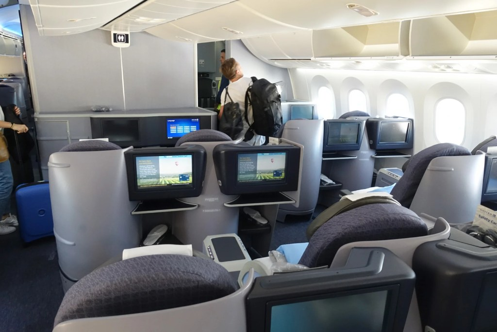 Review United 787 8 Polaris Business Class From Sfo To Tahiti