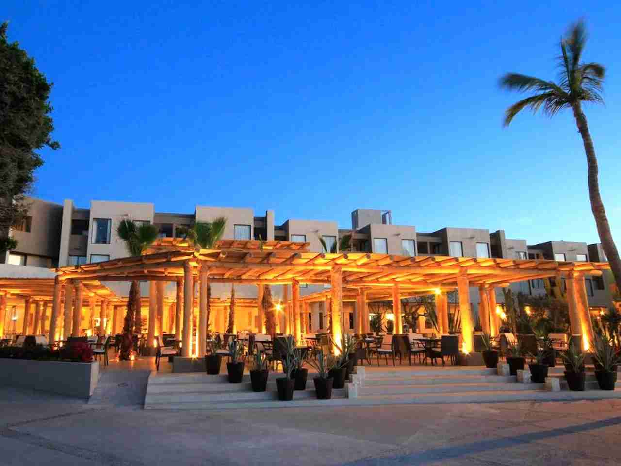 Holiday Inn Resort Los Cabos. Photo courtesy of Holiday Inn Hotels.