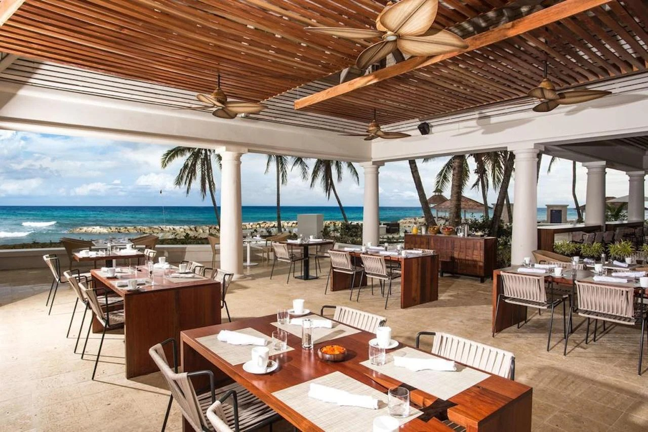 Hyatt Ziva Rose Hall beachfront dining. Photo courtesy of Hyatt Hotels.