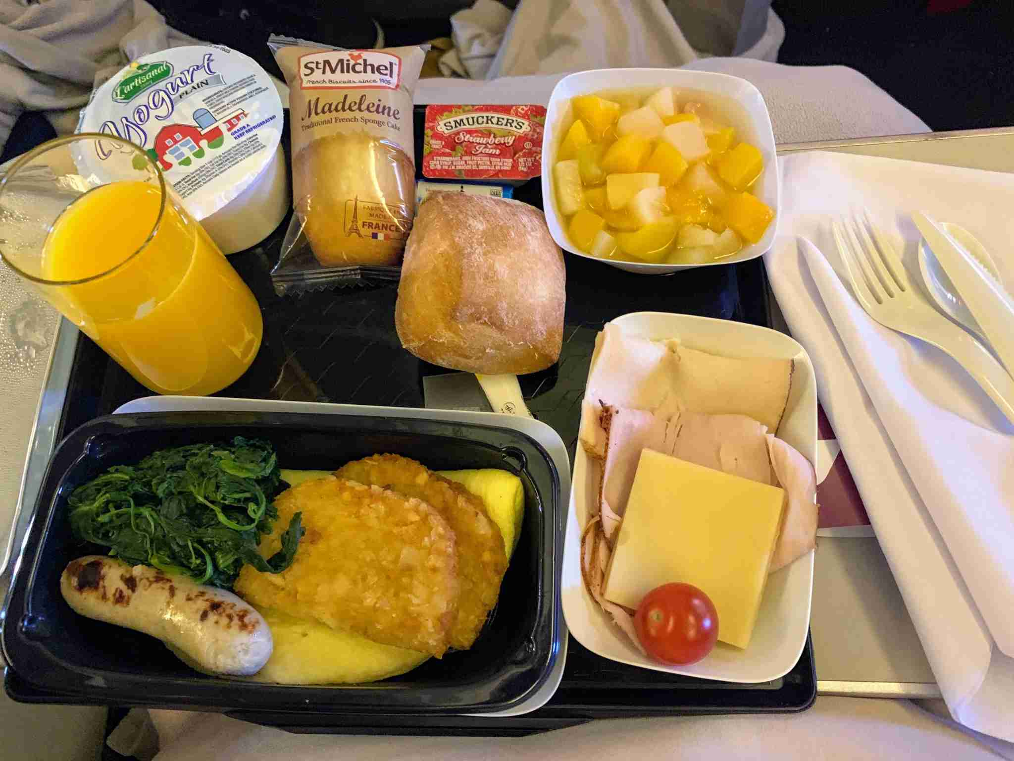 Air France Boeing 777-200 Premium Economy egg meal