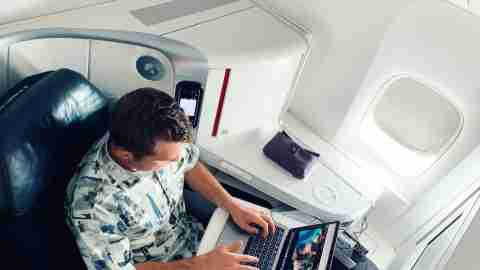 Air France Boeing 777 Business Class laptop working