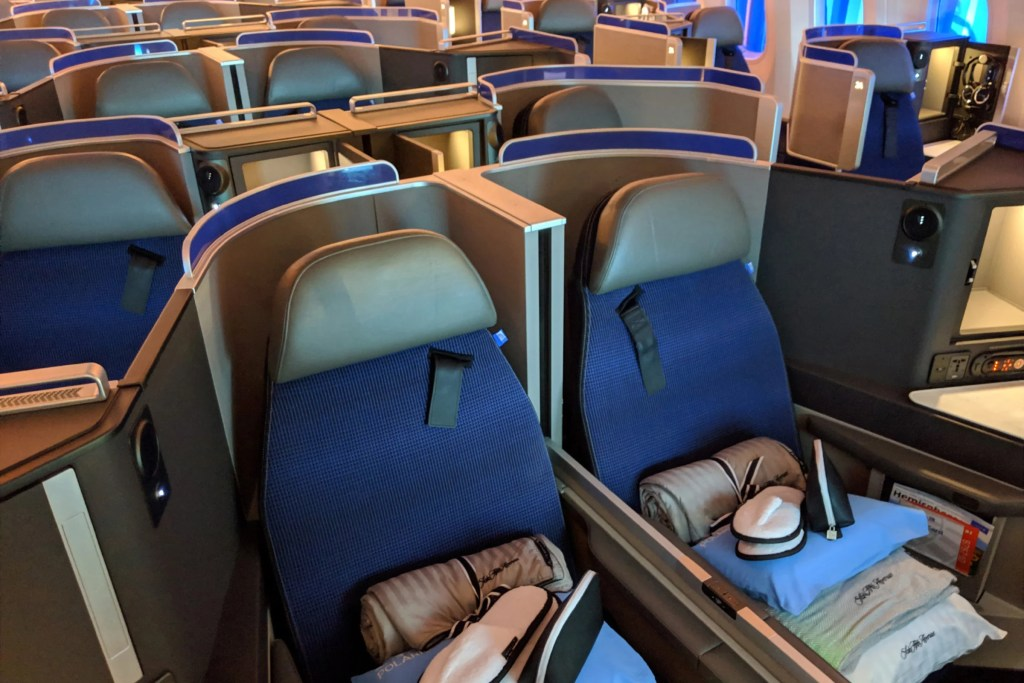 Touring United's First 787-10 With Polaris Business Class