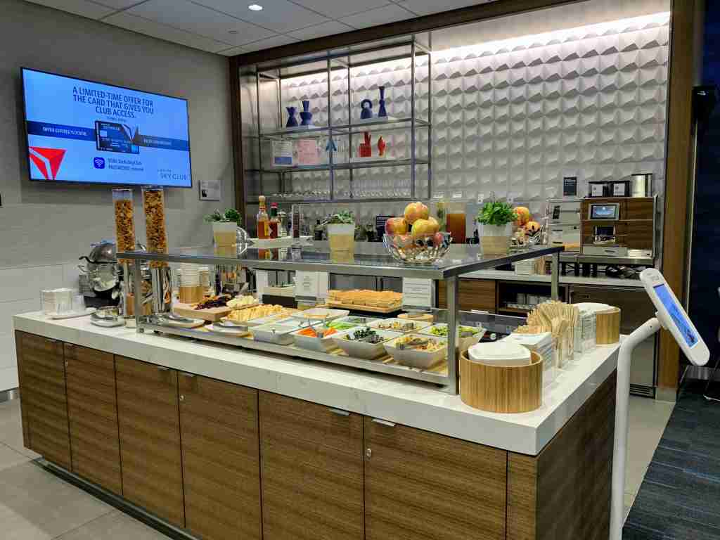 LAX Terminal 3 - Delta Sky Club Food