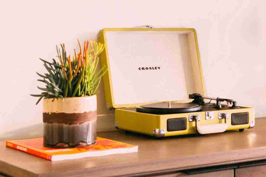The Goodland in Santa Barbara goes retro with vinyl and record players. Image courtesy of Kimpton Hotels.
