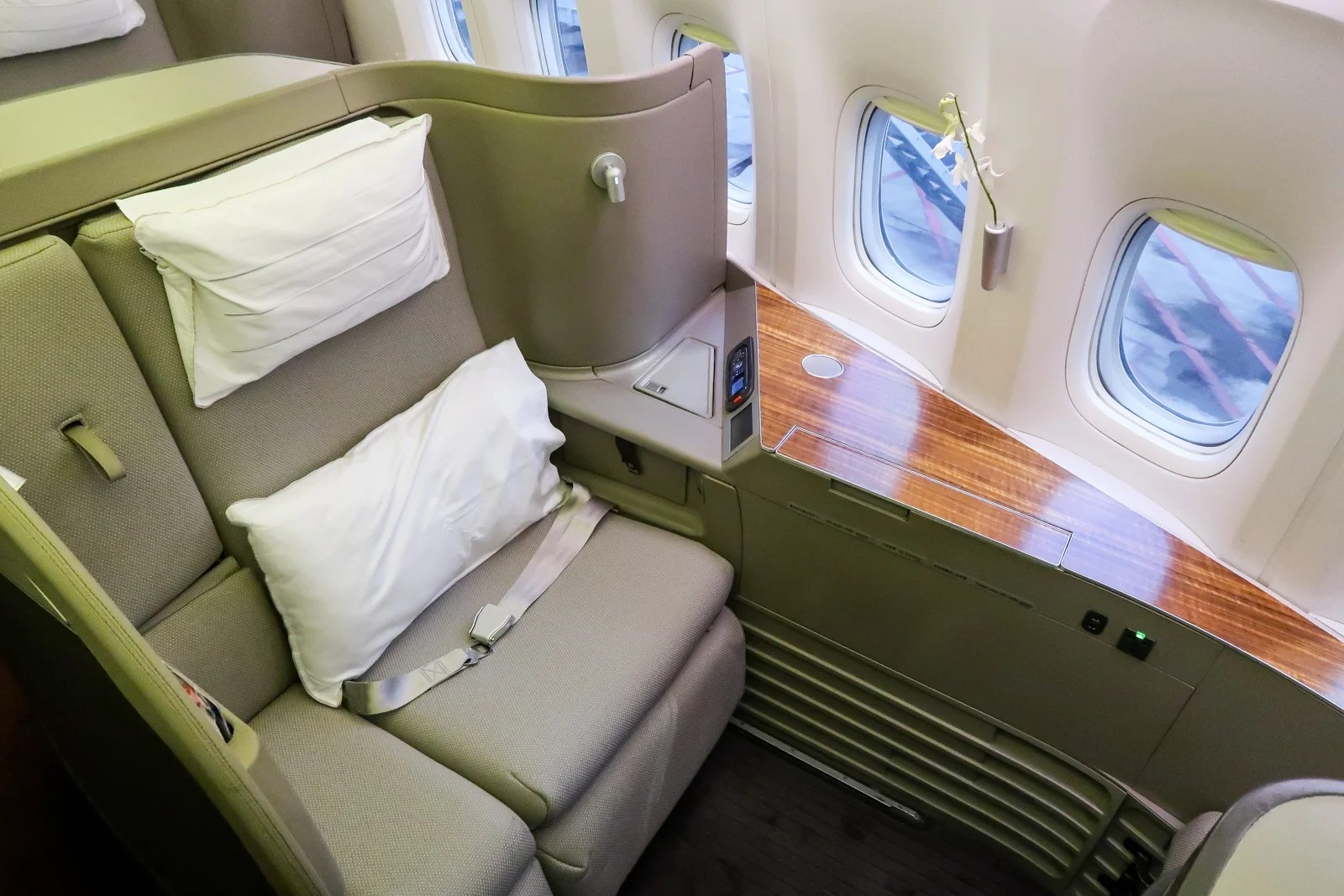 Classic Luxury: Cathay Pacific (777-300ER) in First Class From Hong Kong to Boston