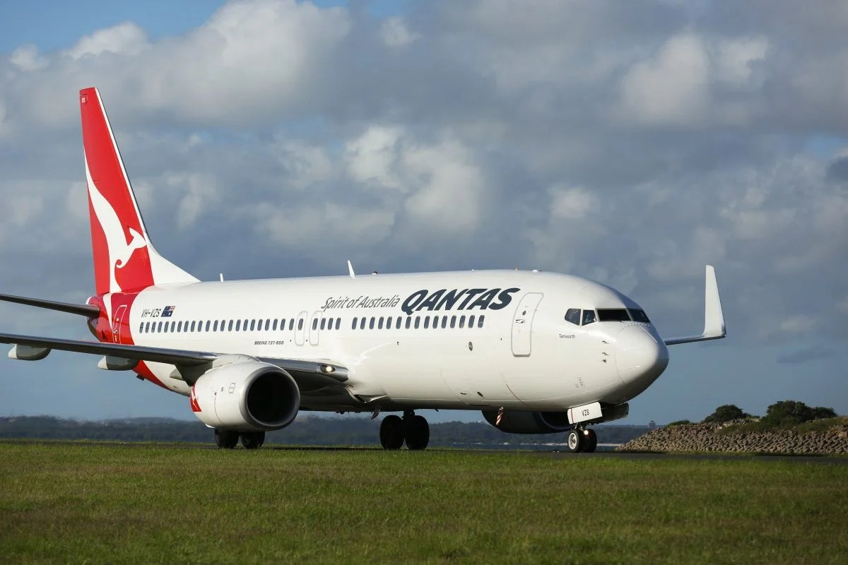 Qantas to Start Weighing Carry-On Bags at Gate