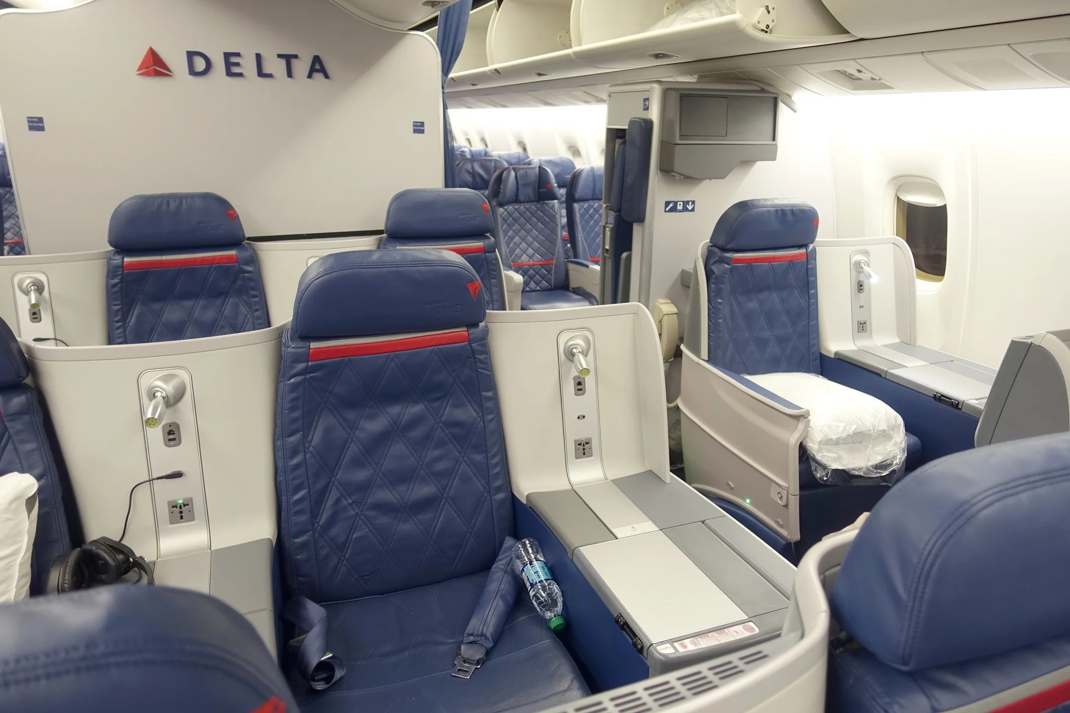 A Review Of Delta S 767 300er In Business From Jfk To Lax