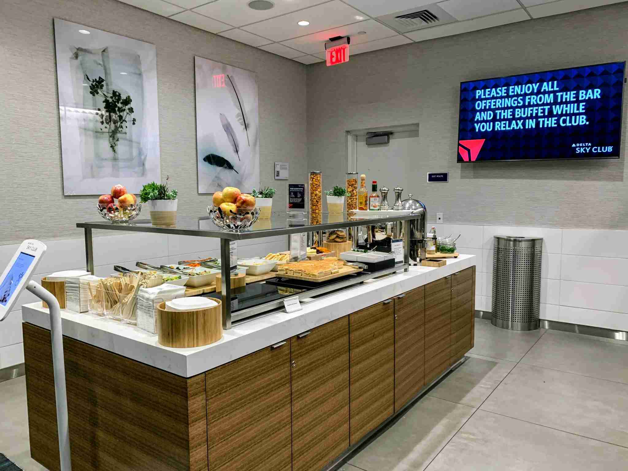 Los Angeles Delta Sky Club (Photo by Darren Murph / The Points Guy)