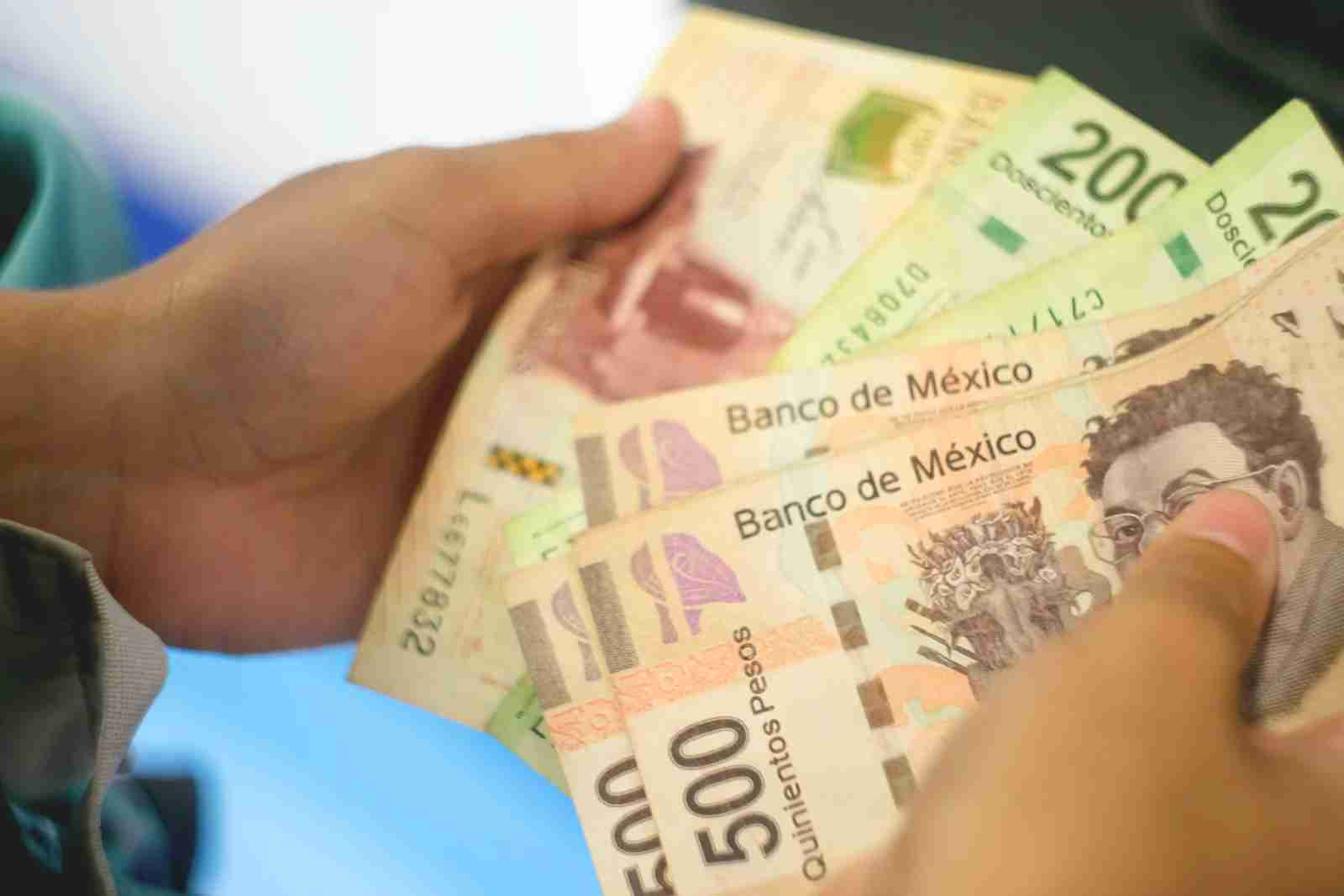 ATMs in Mexico typically spit out larger bills, so be prepared to get change back. (Photo via Shutterstock)