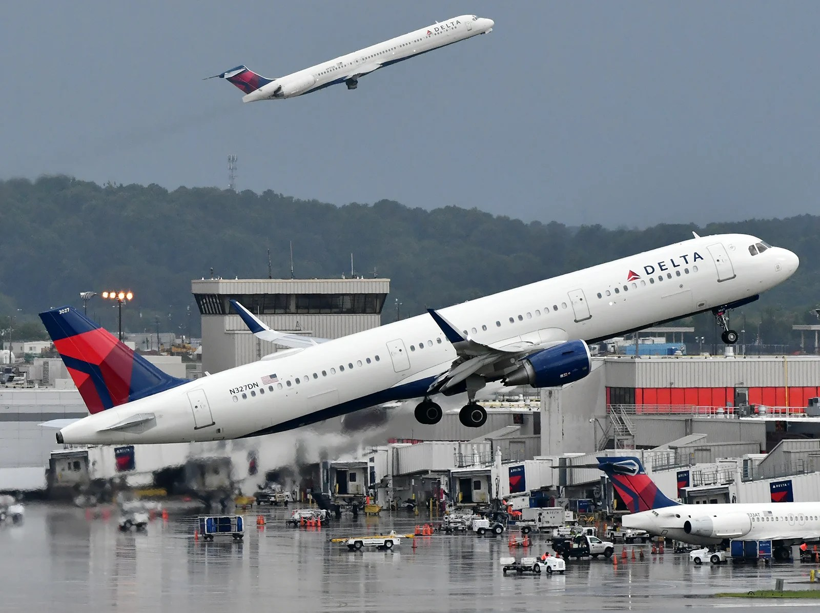Delta Air Lines, American Express Extend Partnership through 2029