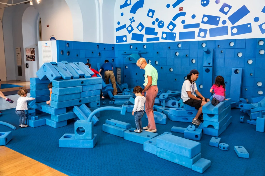Washington DC, National Building Museum, Building Zone, hands-on children
