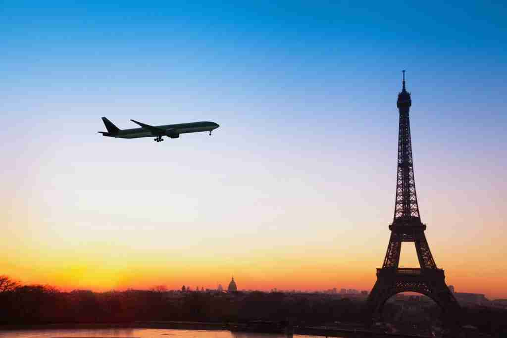 flight to Paris, travel by airplane to France