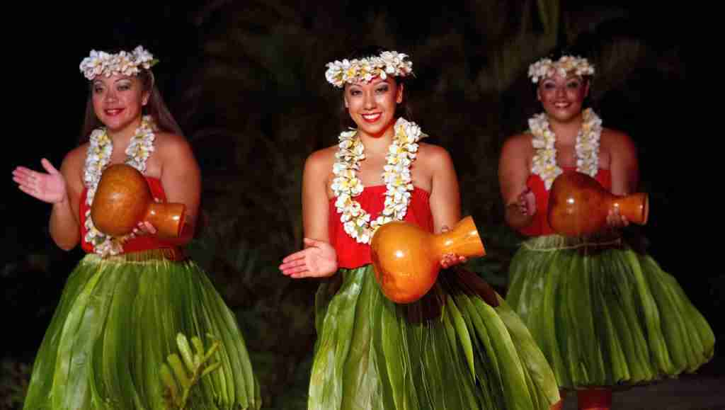 Learn the traditional art of hula in Hawaii. (Photo via Shutterstock)