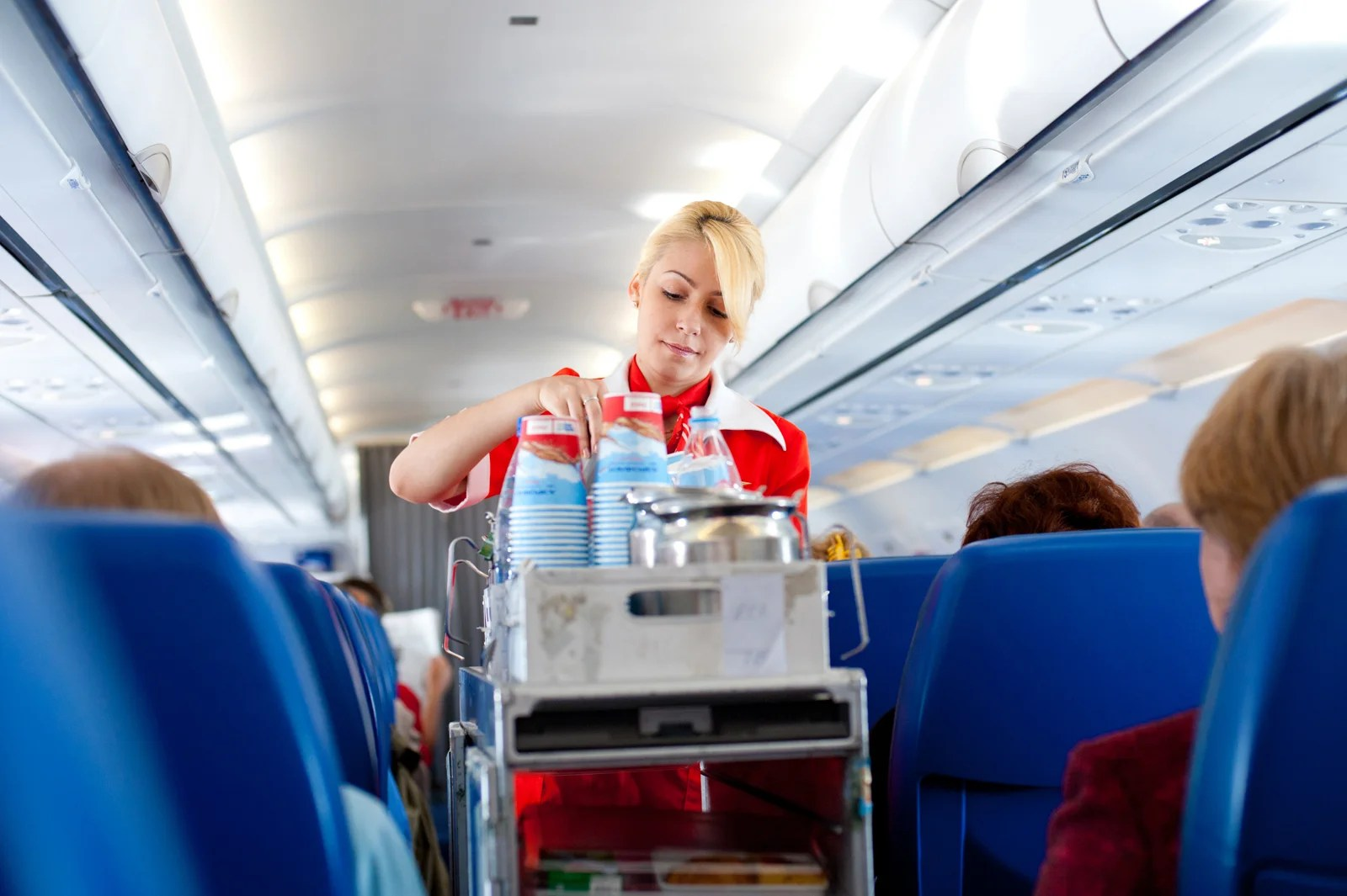 Here's Why You Almost Never See Pepsi Served on a Plane
