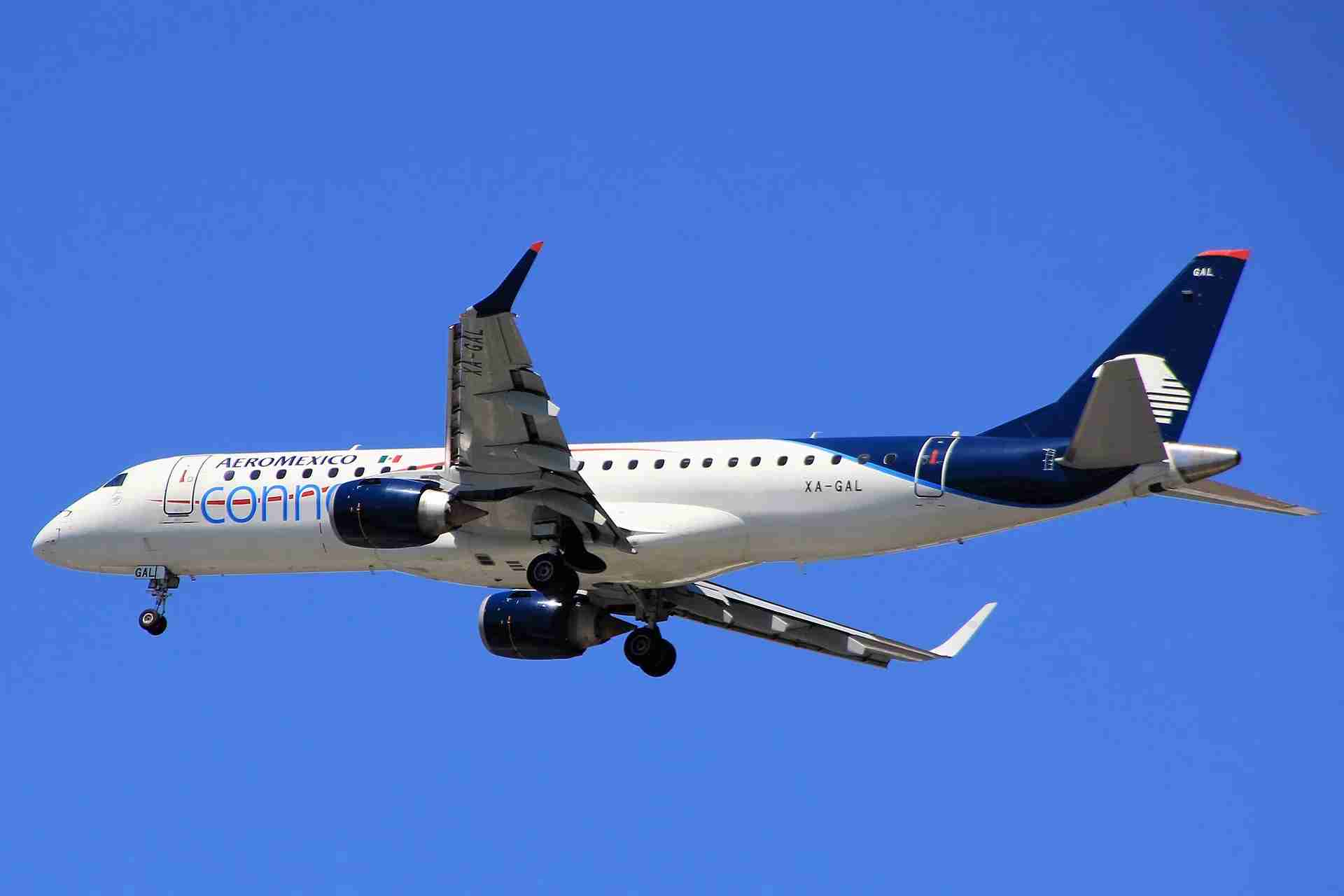 Aeromexico Connect Embraer E190 (XA-GAL) crashed shortly after takeoff roll in Durango, Mexico on July 31st (Image by Max Effect via Flickr)