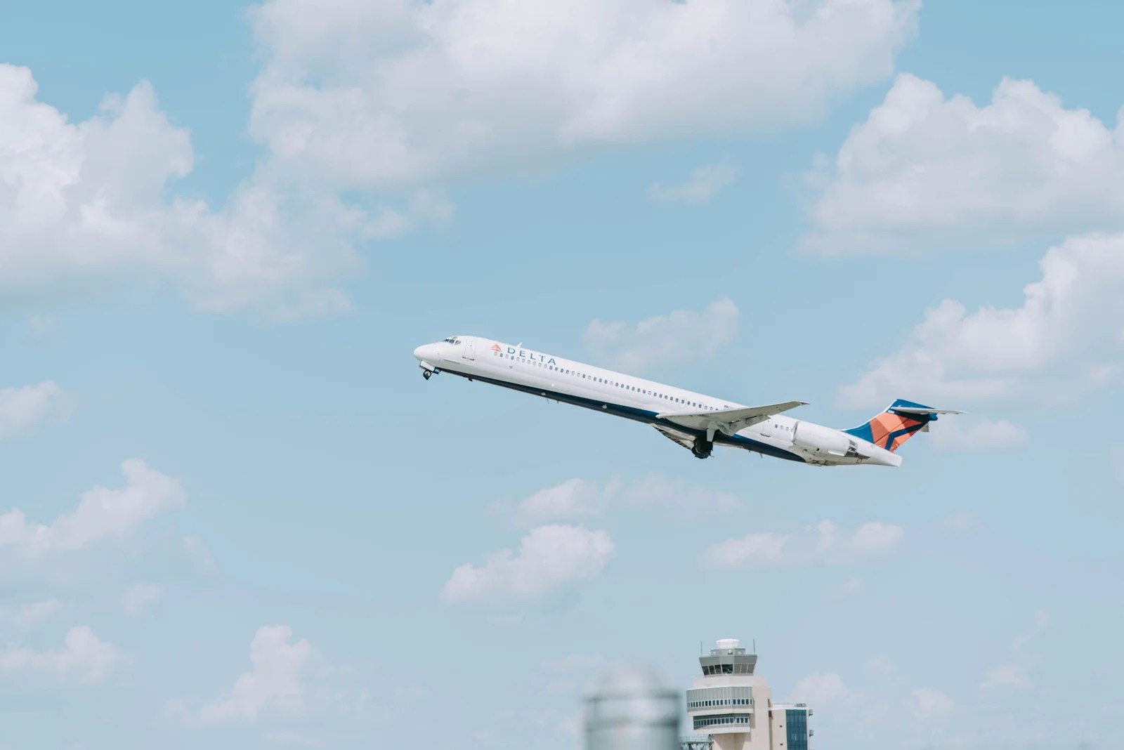 How to Decide Whether to Use Cash or Miles for Airline Tickets