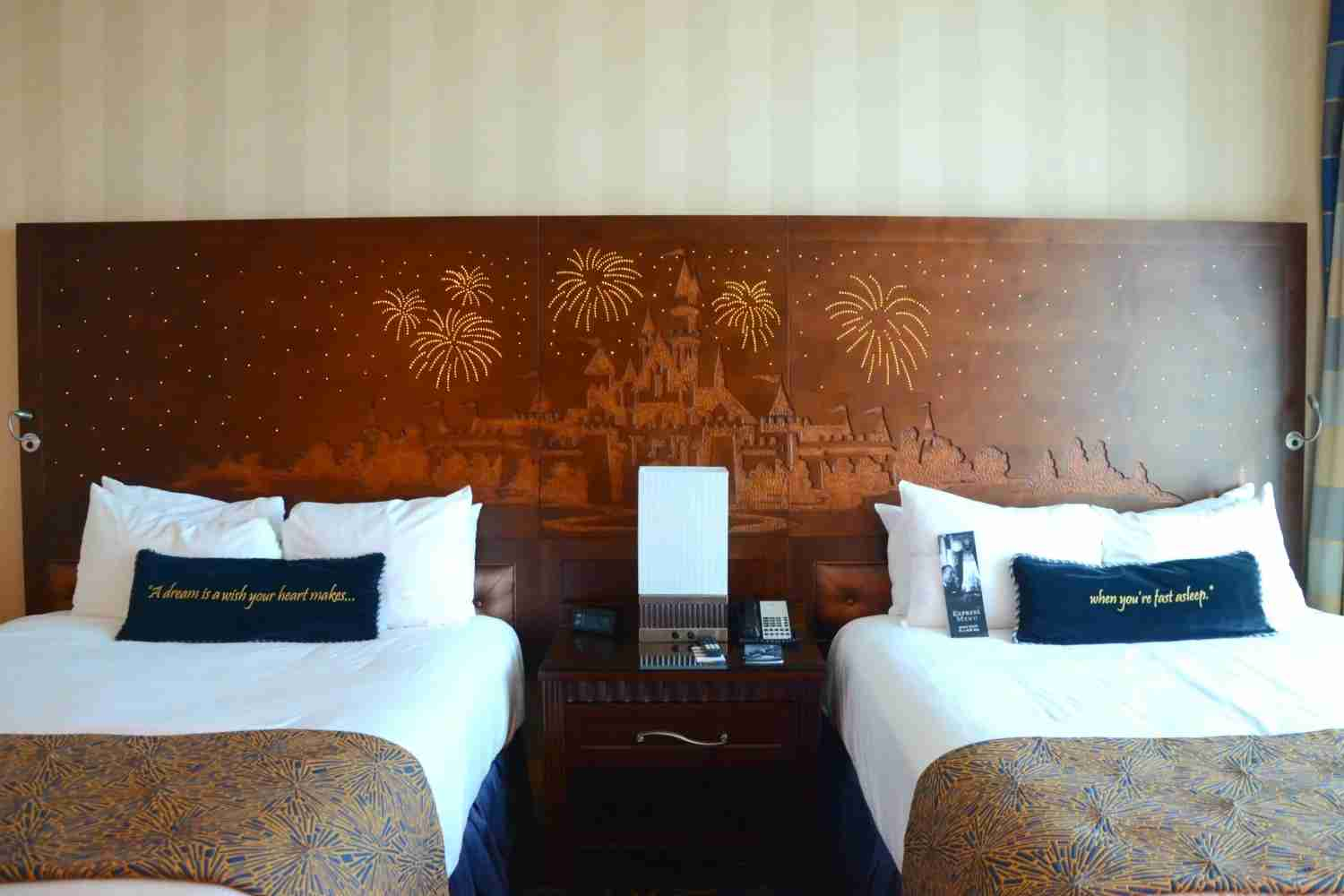 Most magical hotel headboard there ever was.(Image by Leslie Harvey.)