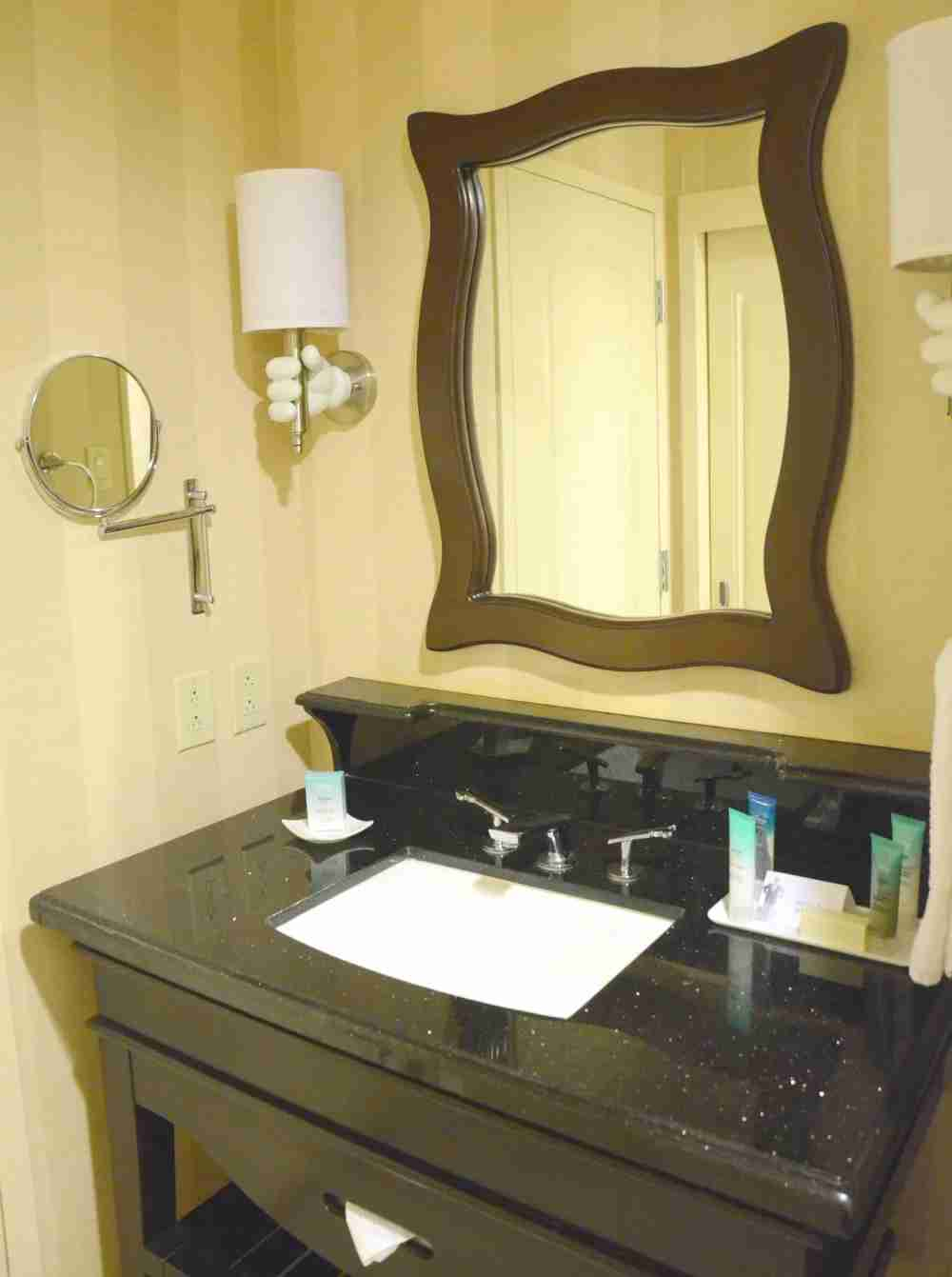 Disneyland Hotel Review - Bathroom Vanity