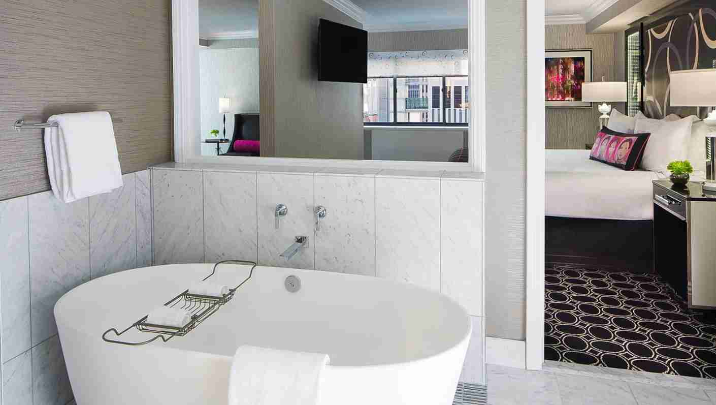 The Kimpton Muse Spa Suite. (Photo courtesy of Kimpton Muse)