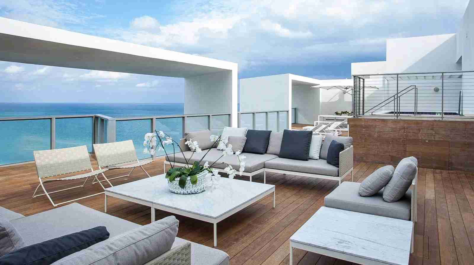 The E-WOW Penthouse Rooftop. (Photo courtesy of W South Beach)