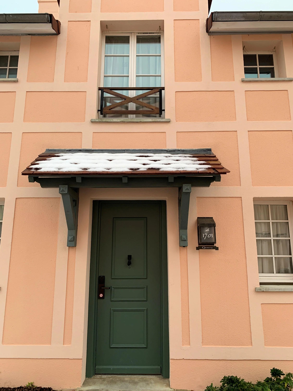 The front door to villa 1701. Photo by Dia Adams