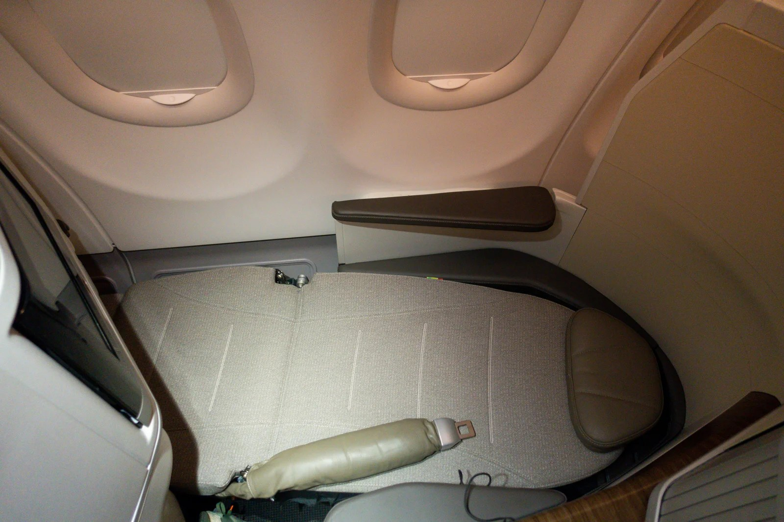 Collectables In-flight Gifts/ Amenity Kits Tap Airlines Aviation Flight Traveling Amenity Kit On A Tissue Bag # Empty Bag