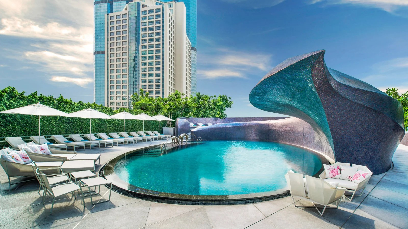 10 of the World's Cheapest Cities for Luxury Points Hotels