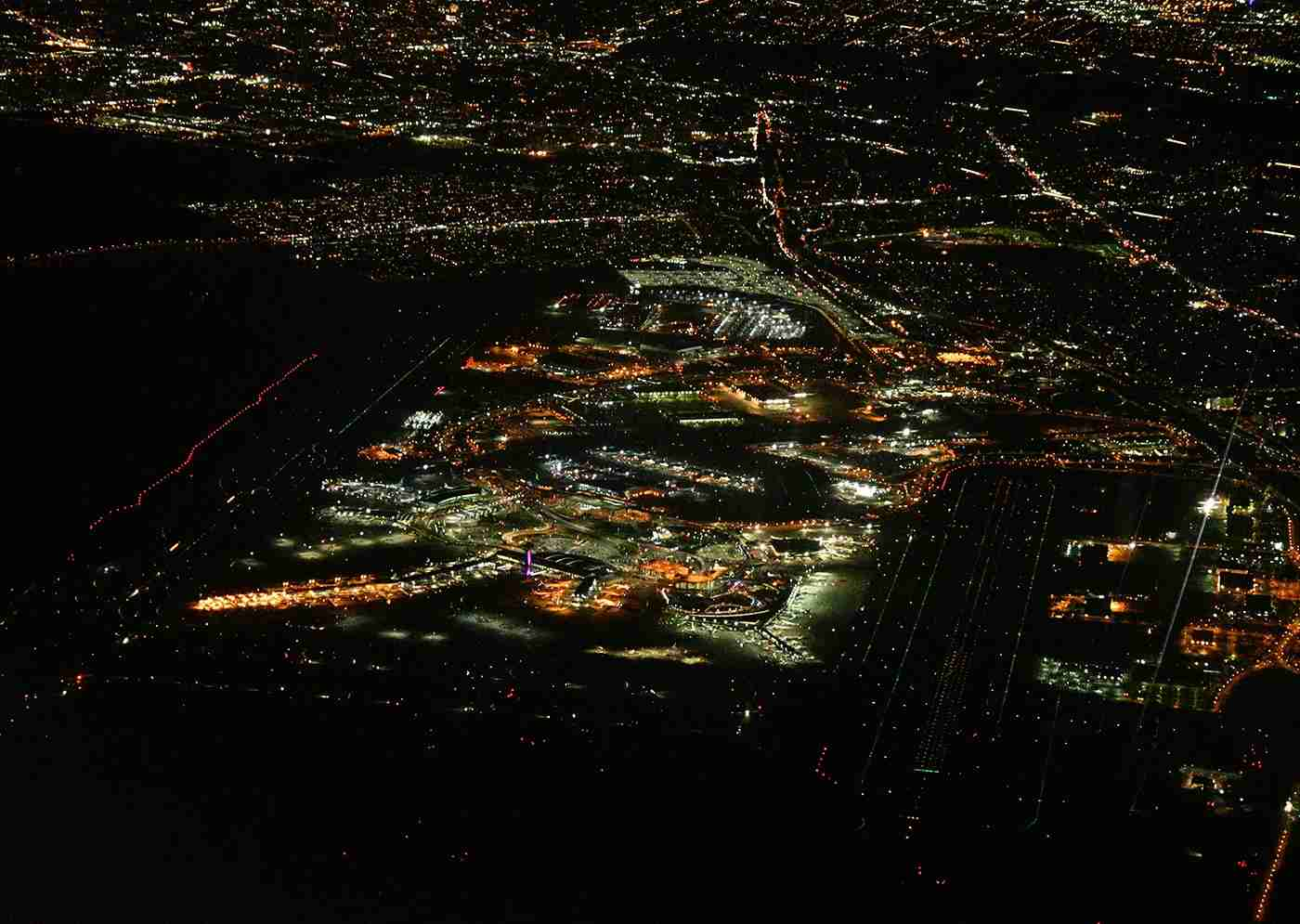 JFK at night. Runways are clearly marked by lights. (Phoo by Alberto Riva/TPG)