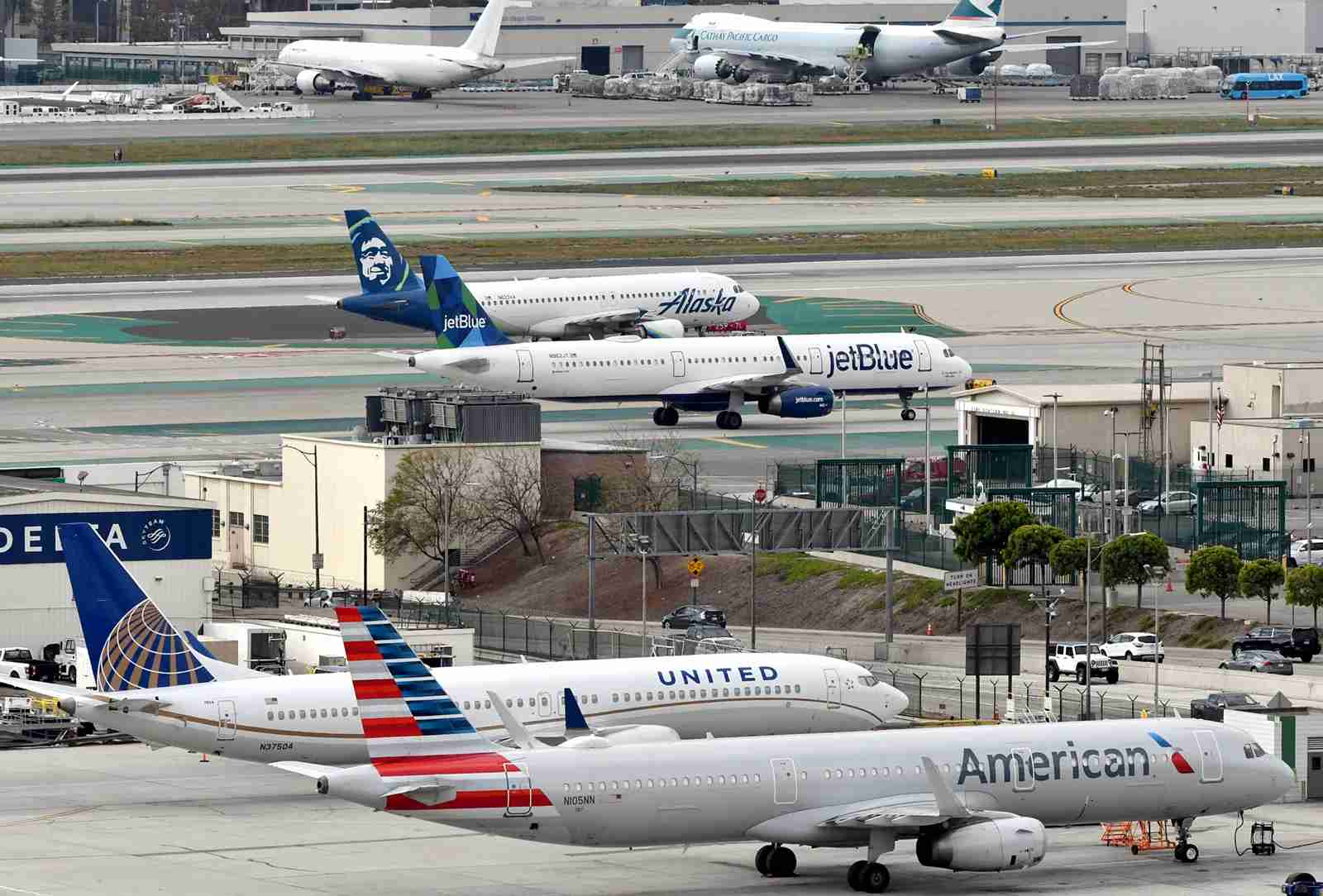 One of the two United 737 MAXes kept in storage at LAX (Photo by Alberto Riva/TPG)
