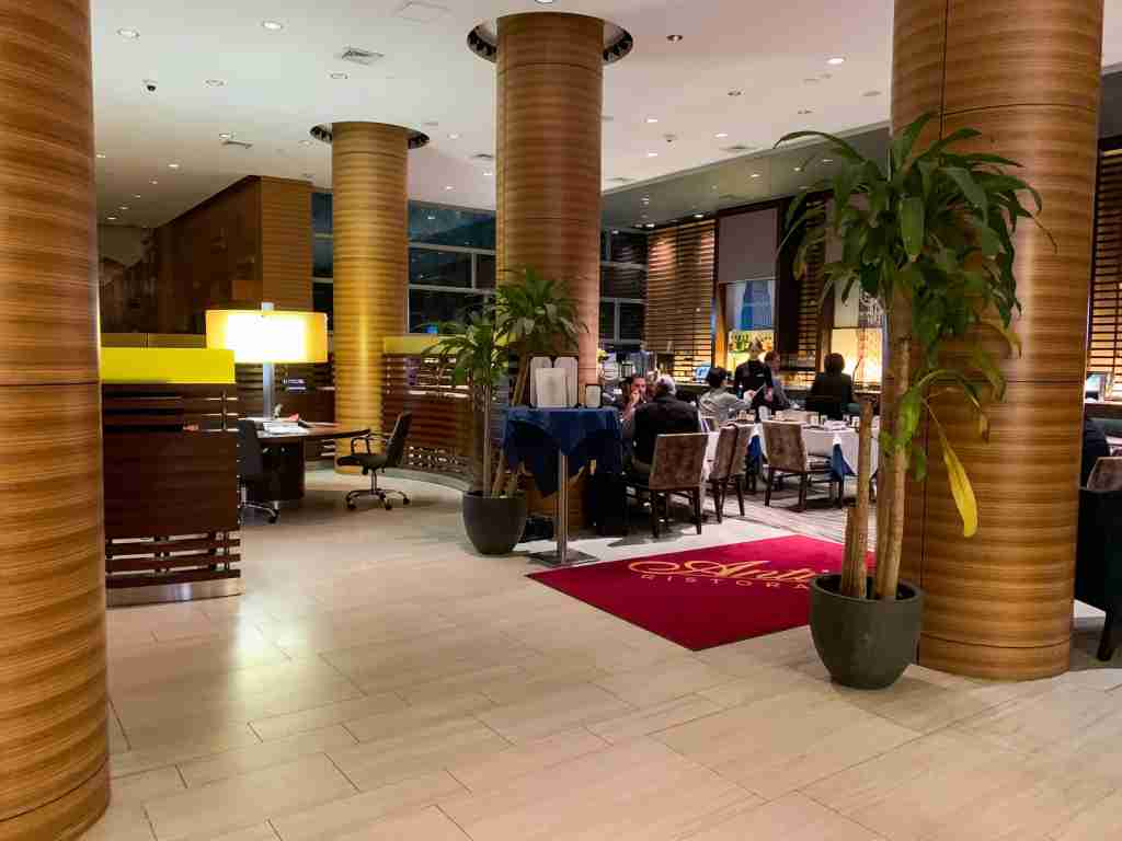 Sheraton Tribeca lobby and restaurant (Photo by Summer Hull / The Points Guy)