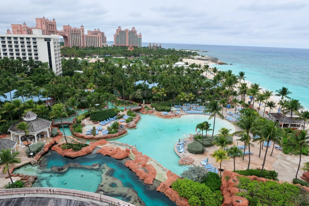 How to book Atlantis in the Bahamas with points and miles