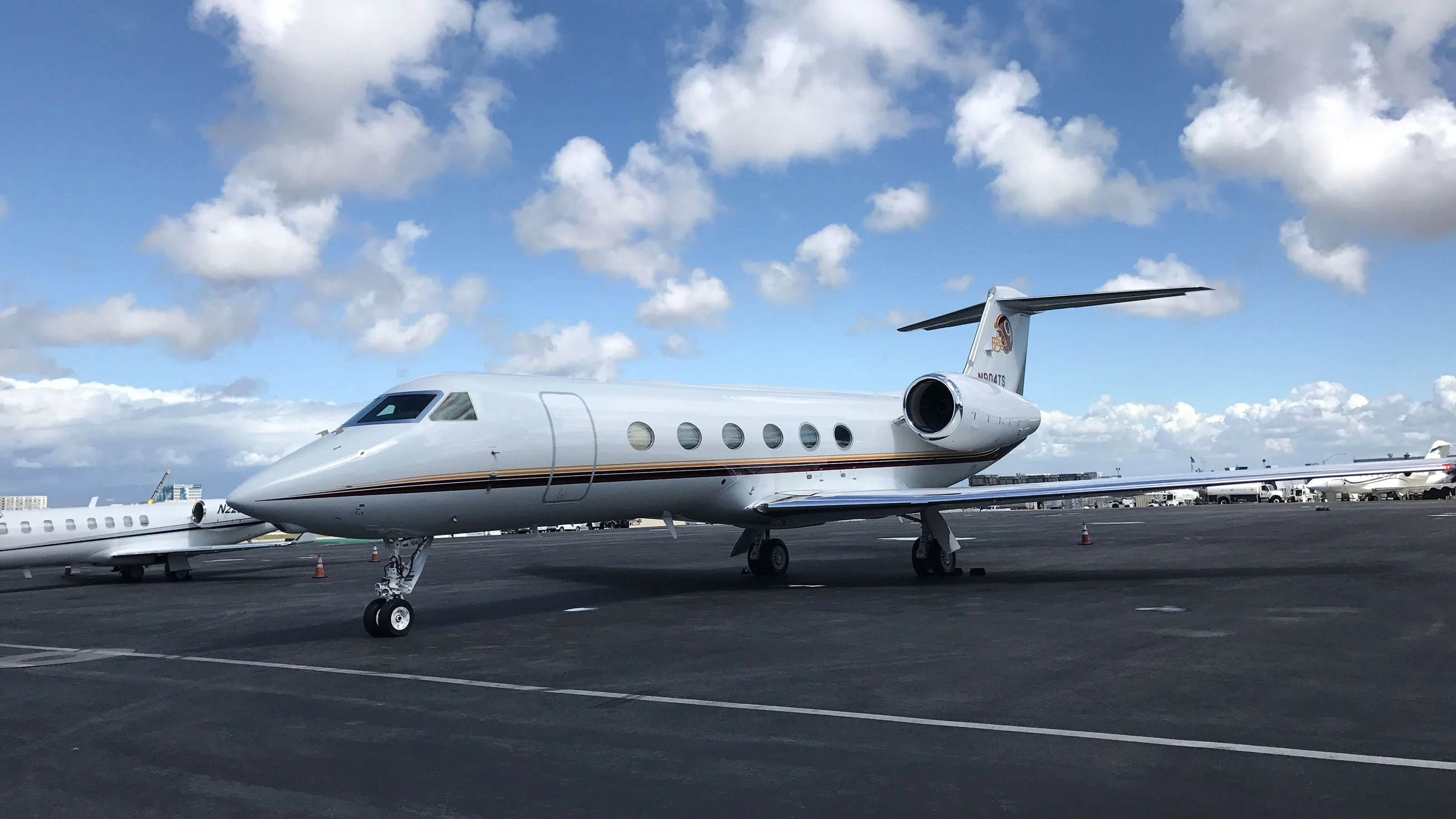 Everything you need to know about booking empty leg private jet flights - The Points