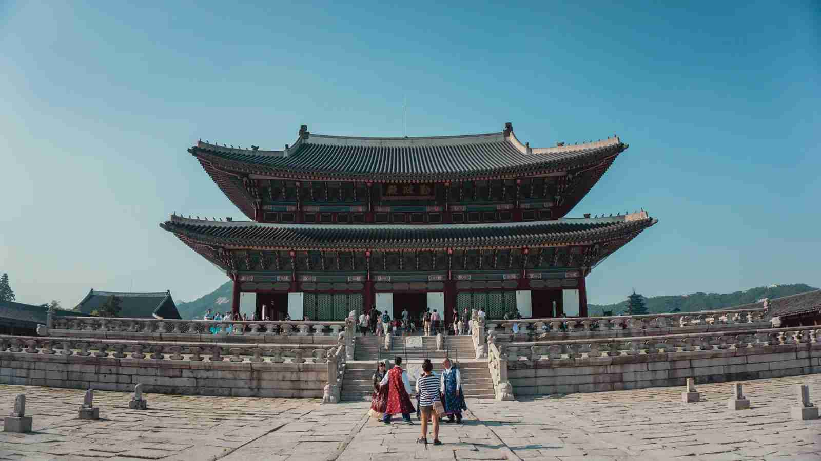 A Buddhist temple in Seoul, South Korea. (Photo by Yeo Khee / Unsplash)