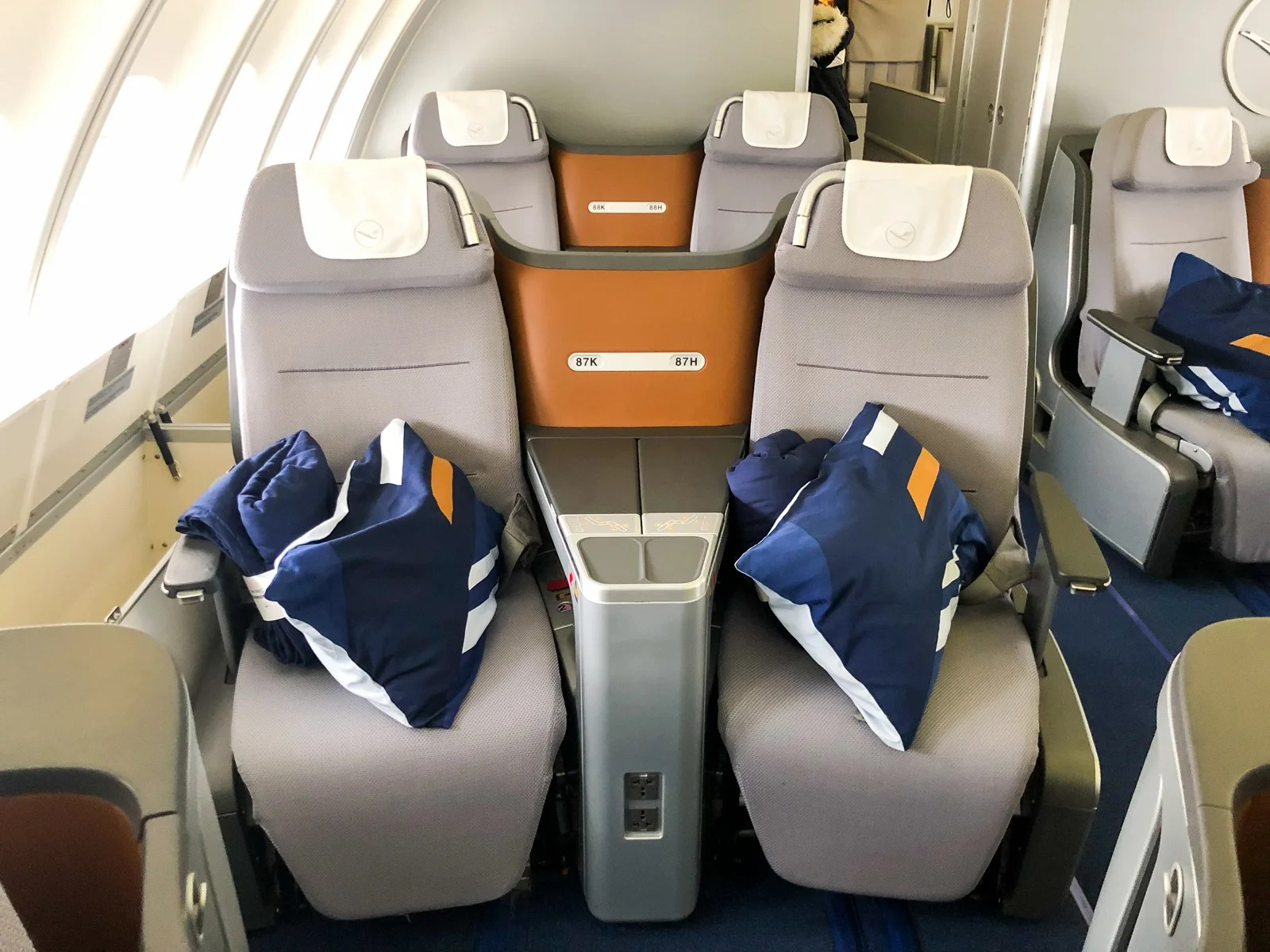So Sweet: Lufthansa in Business Class on the 747-8 From New York to Frankfurt