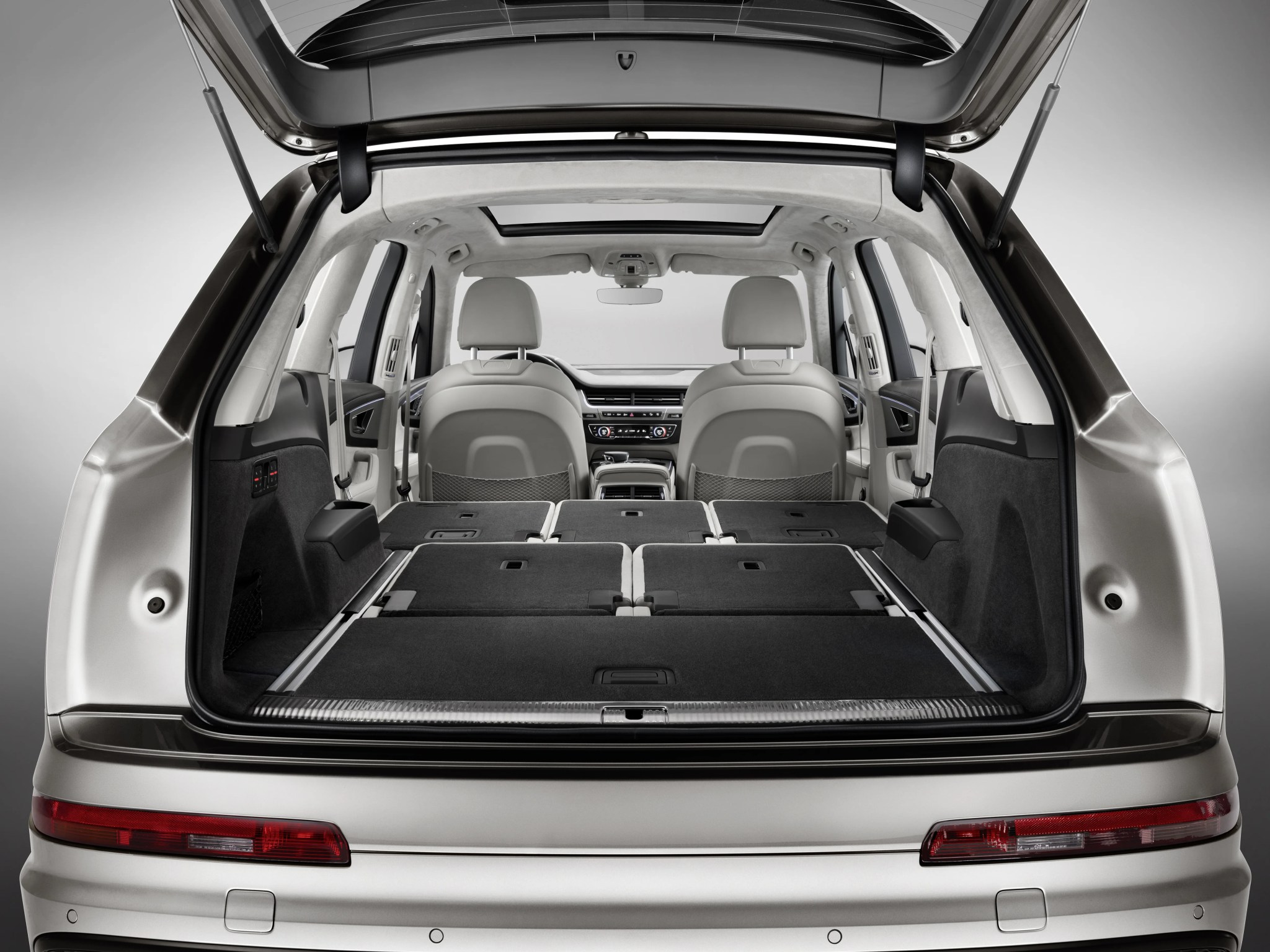 Audi Q5 Seating Capacity >> Silvercar Expands Q7s Color Selection