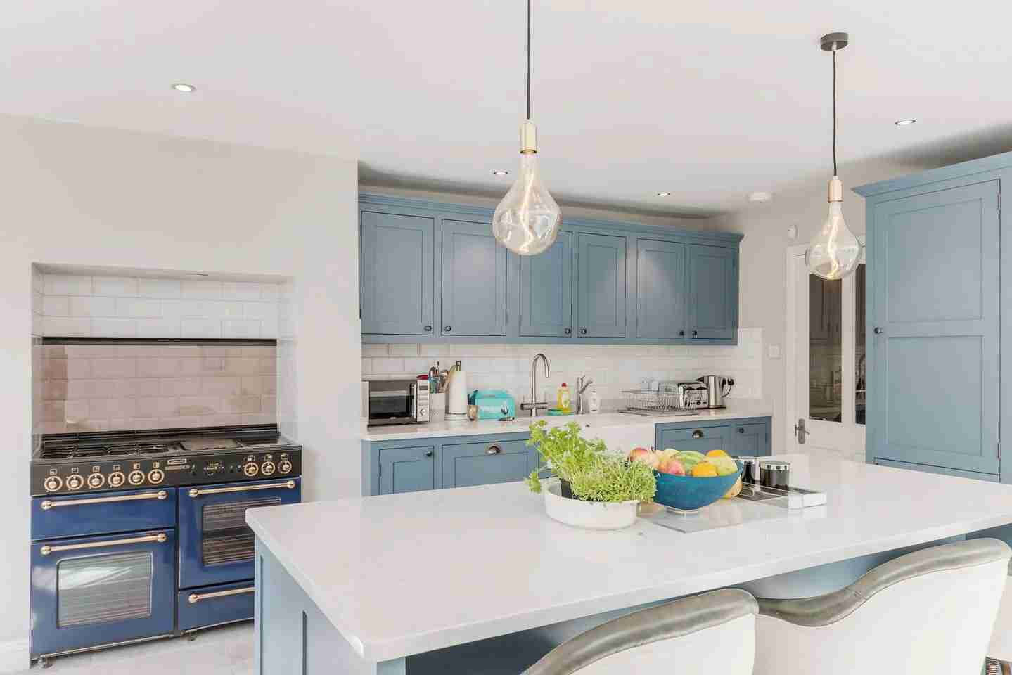 Apartment kitchen in London. (Photo courtesy of Marriott's Tribute Portfolio Homes)