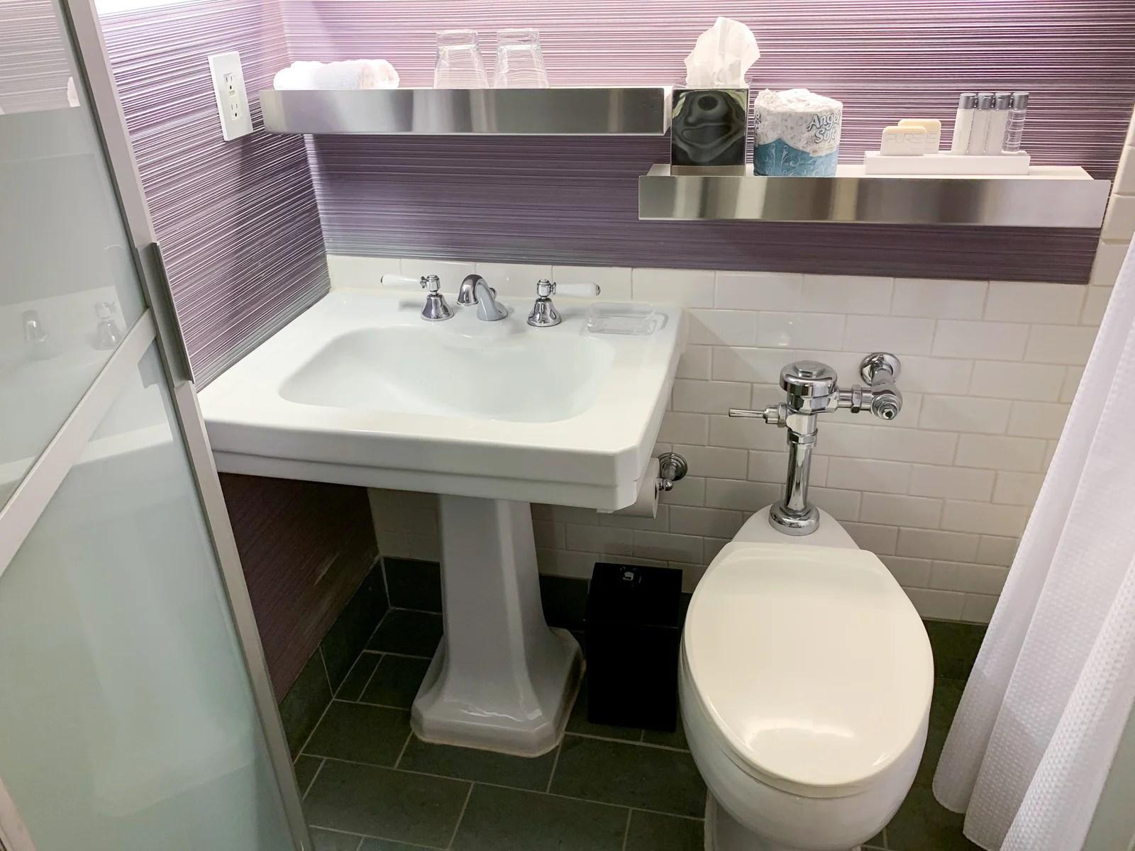 Maxwell Hotel NYC Bathroom
