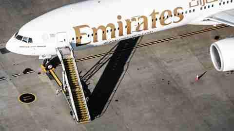 Emirates-777-300ER-1