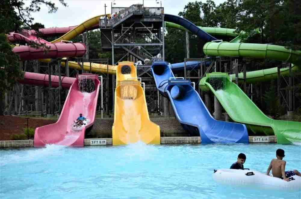 The Four Winds slide at Hurricane Harbor (photo by Matthew Minucci)