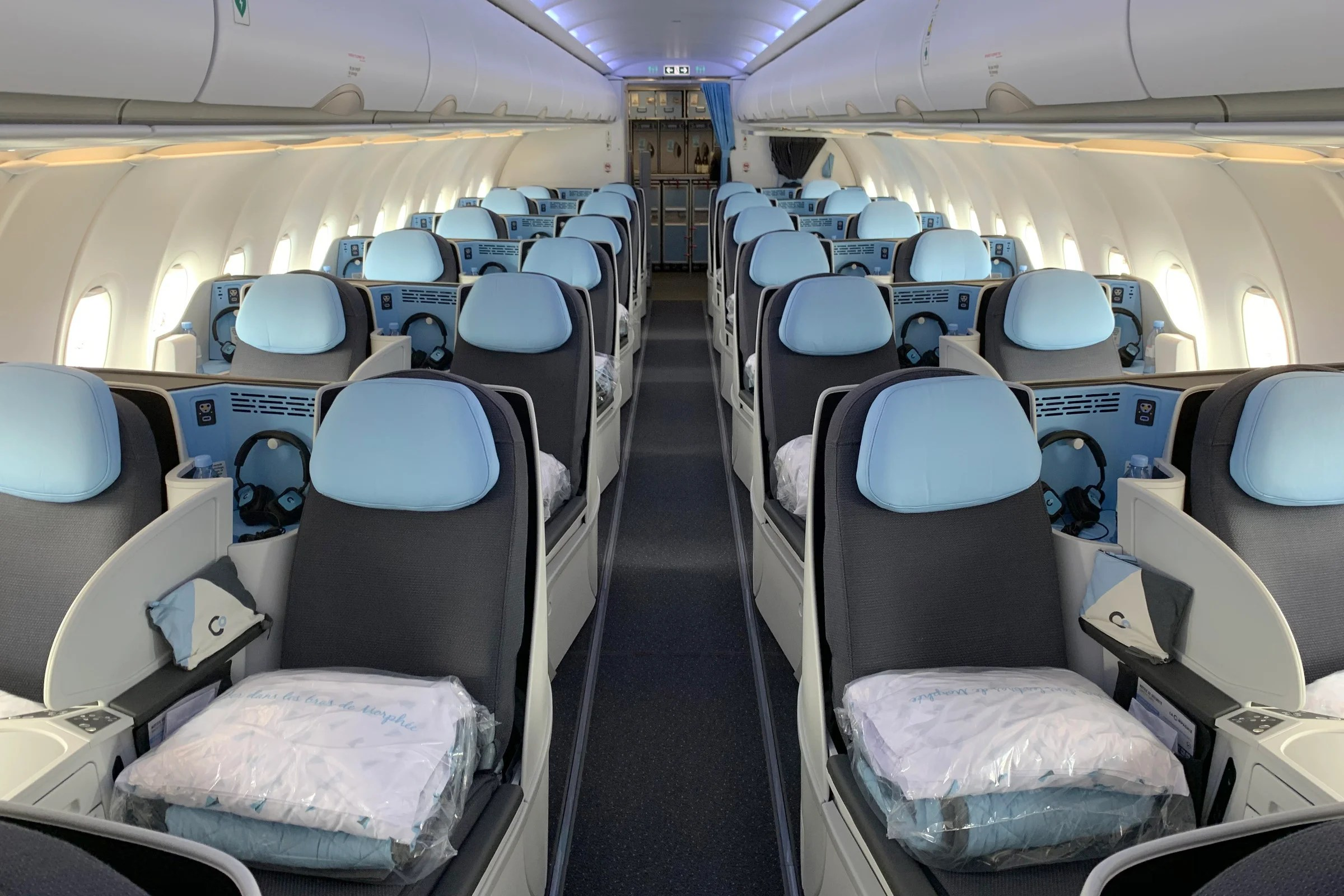 Unreal deal alert: Fly La Compagnie's new biz class to Paris for $993 round-trip