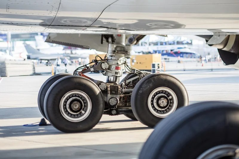 Heavy Load: How the Landing Gear Works on Airplanes
