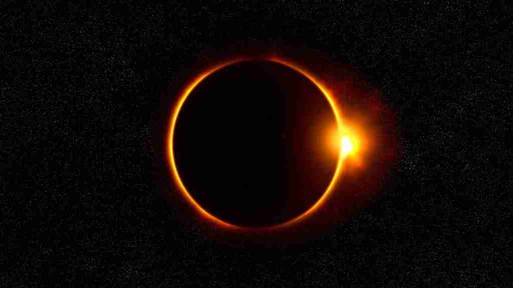 Total Solar Eclipse (Image by SA Expeditions/Nick Dall)