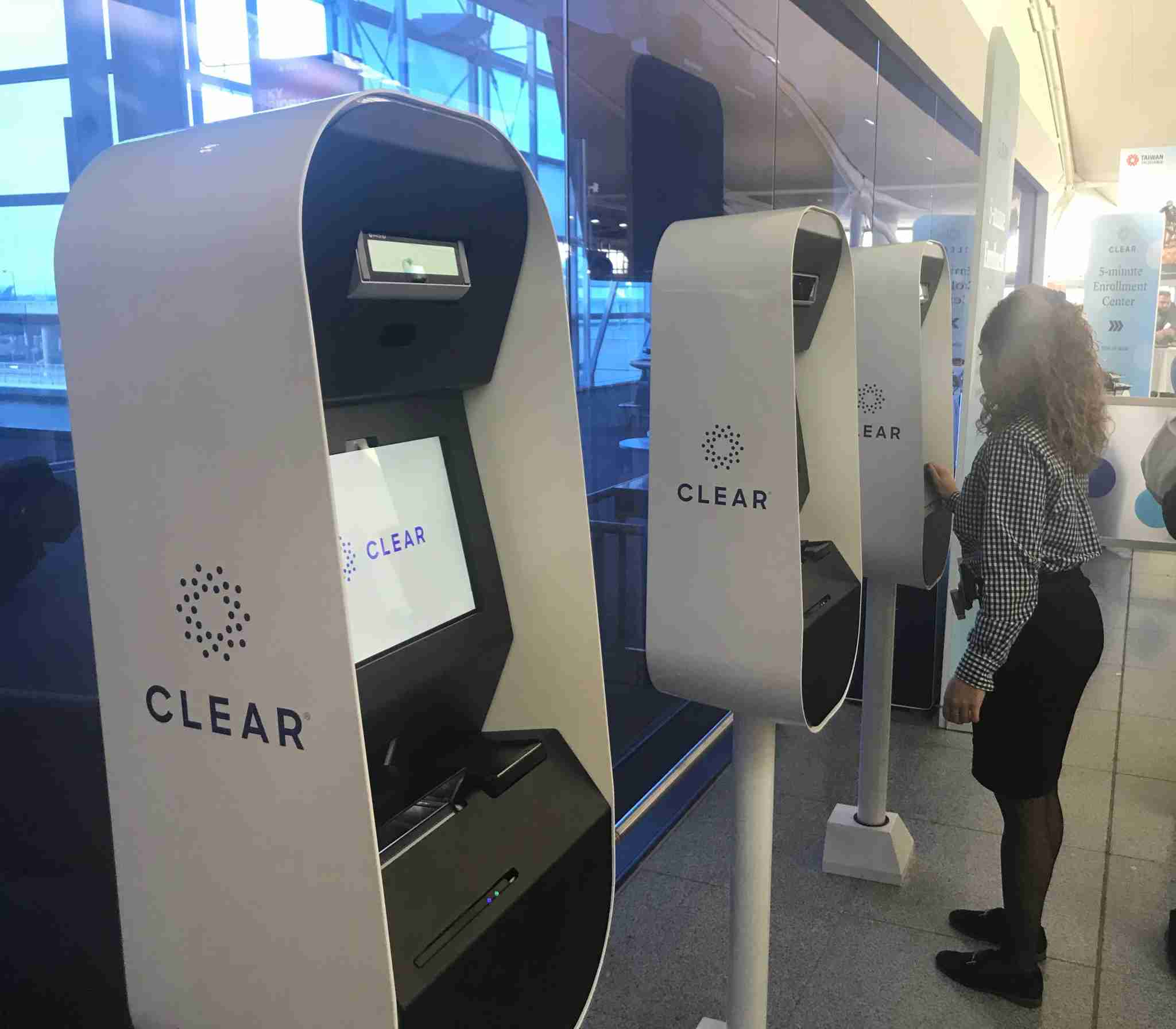 Customers user CLEAR kiosks at New York JFK airport. (Courtesy of Delta Air Lines)