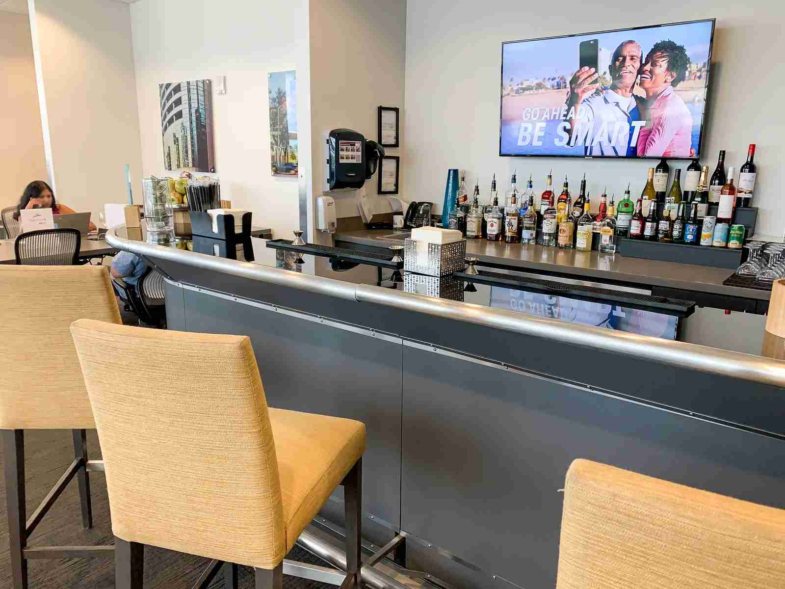 Bar at The Club at MCO (Photo by Summer Hull / The Points Guy)