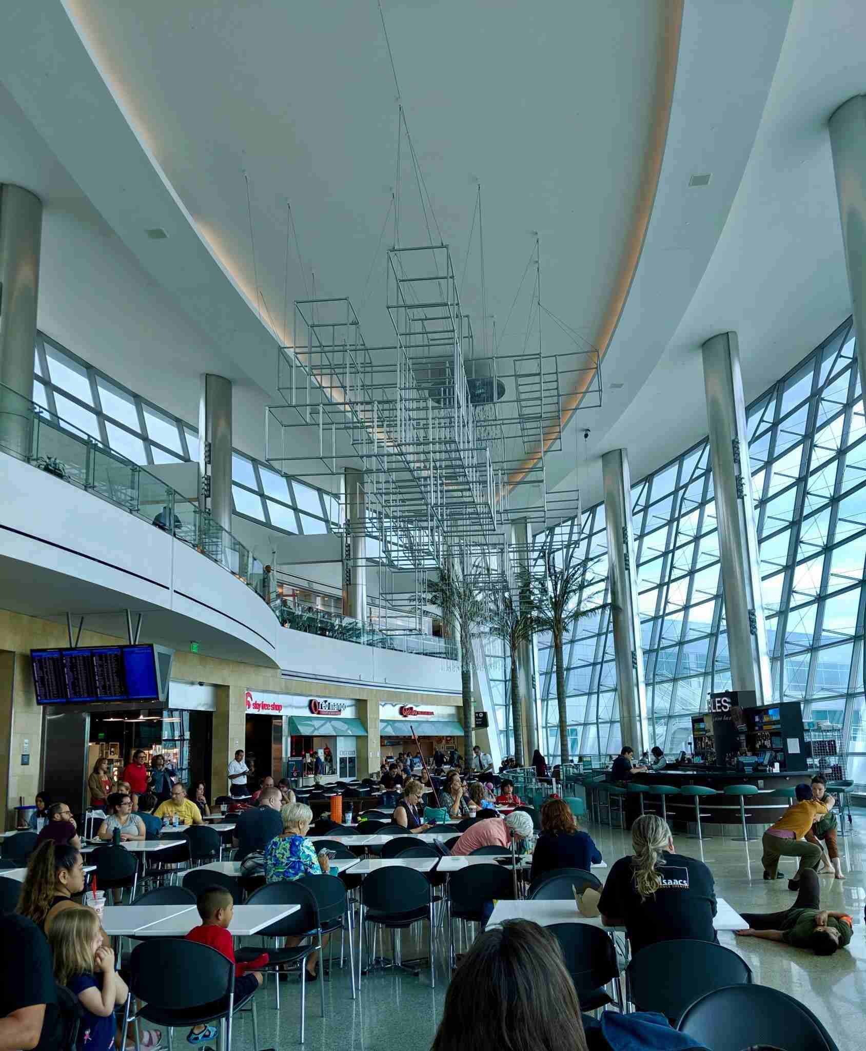 Food court, terminal 2