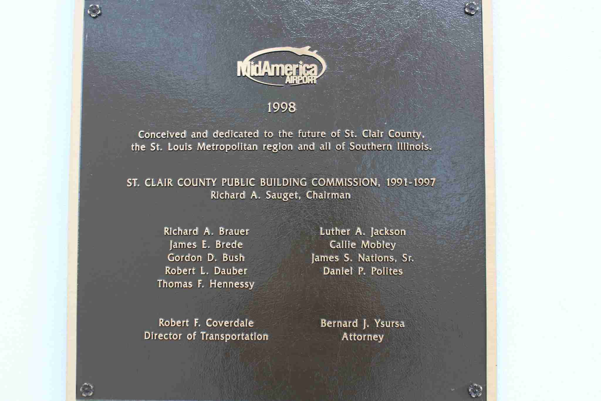 One of the two plaques that hangs in the passenger terminal at MidAmerica Airport which dedicated in 1998. (Image by Max Prosperi/The Points Guy)