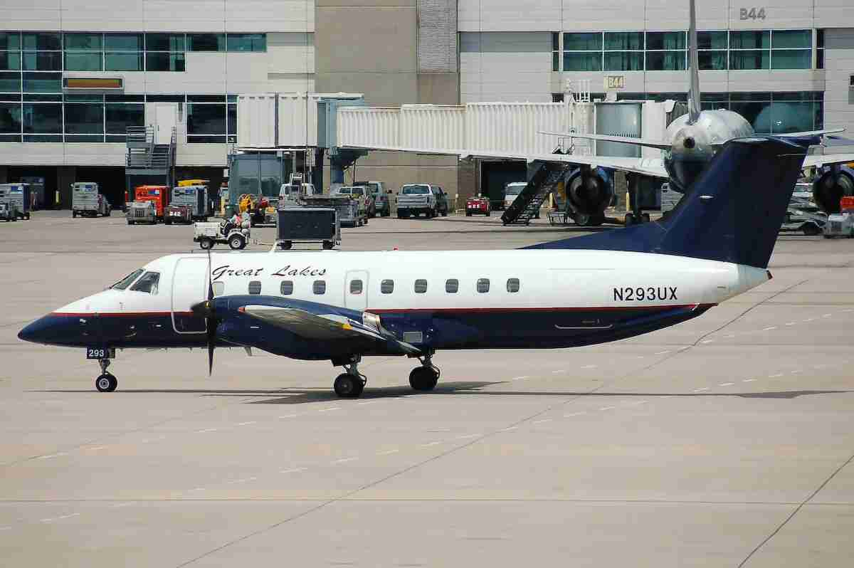 A Great Lakes Airlines Embraer EMB-120 at Denver International Airport (Image by rschider / via wikimedia)