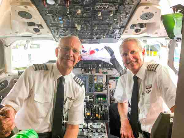 The pilots of American Airlines Flight 80 to Chicago. (Photo by Zach Wichter/The Points Guy)