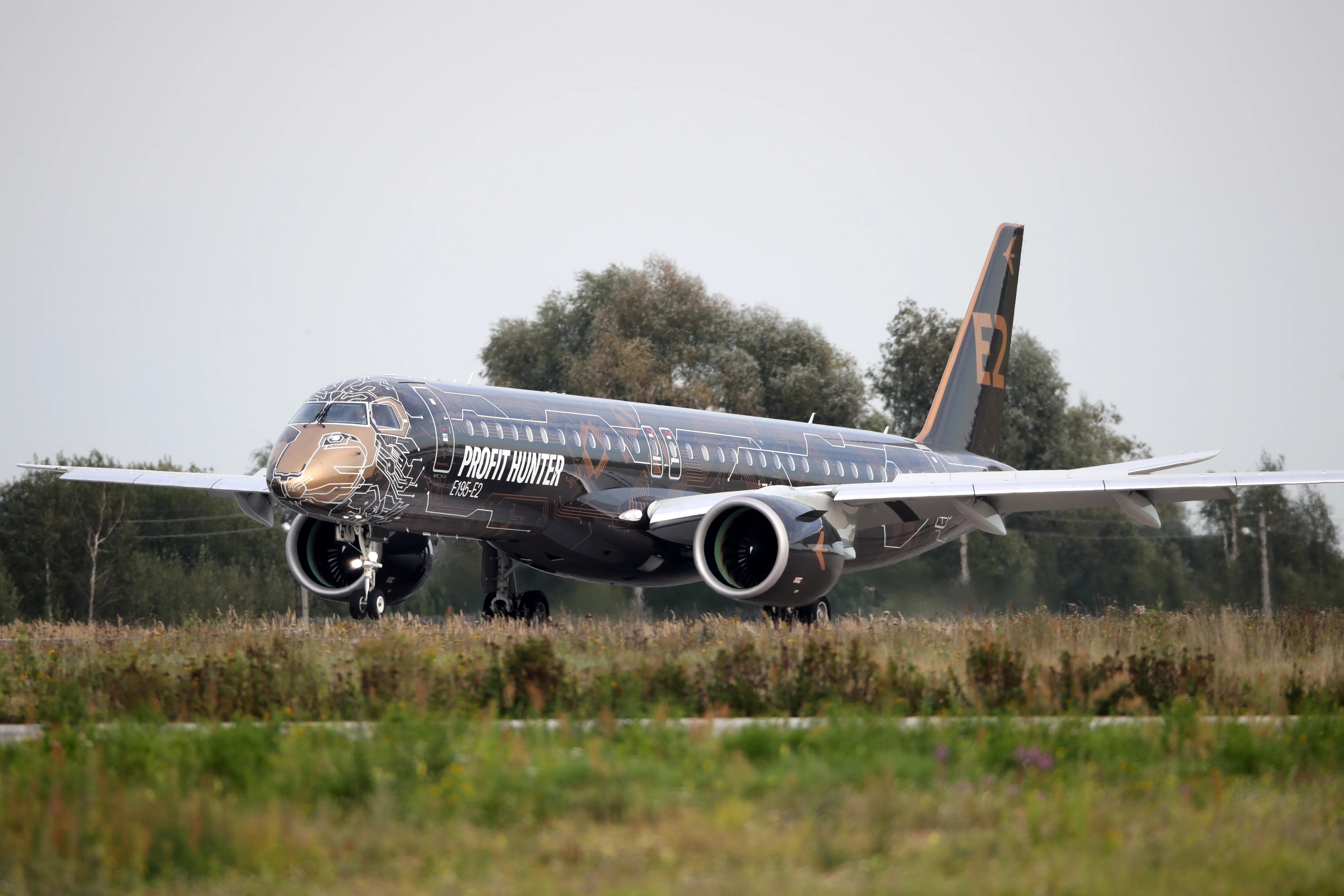 MOSCOW REGION, RUSSIA - AUGUST 26, 2019: An Embraer E195-E2 jet airliner during preparations for the MAKS-2019 International Aviation and Space Salon in the town of Zhukovsky, Moscow Region. Marina Lystseva/TASS (Photo by Marina LystsevaTASS via Getty Images)
