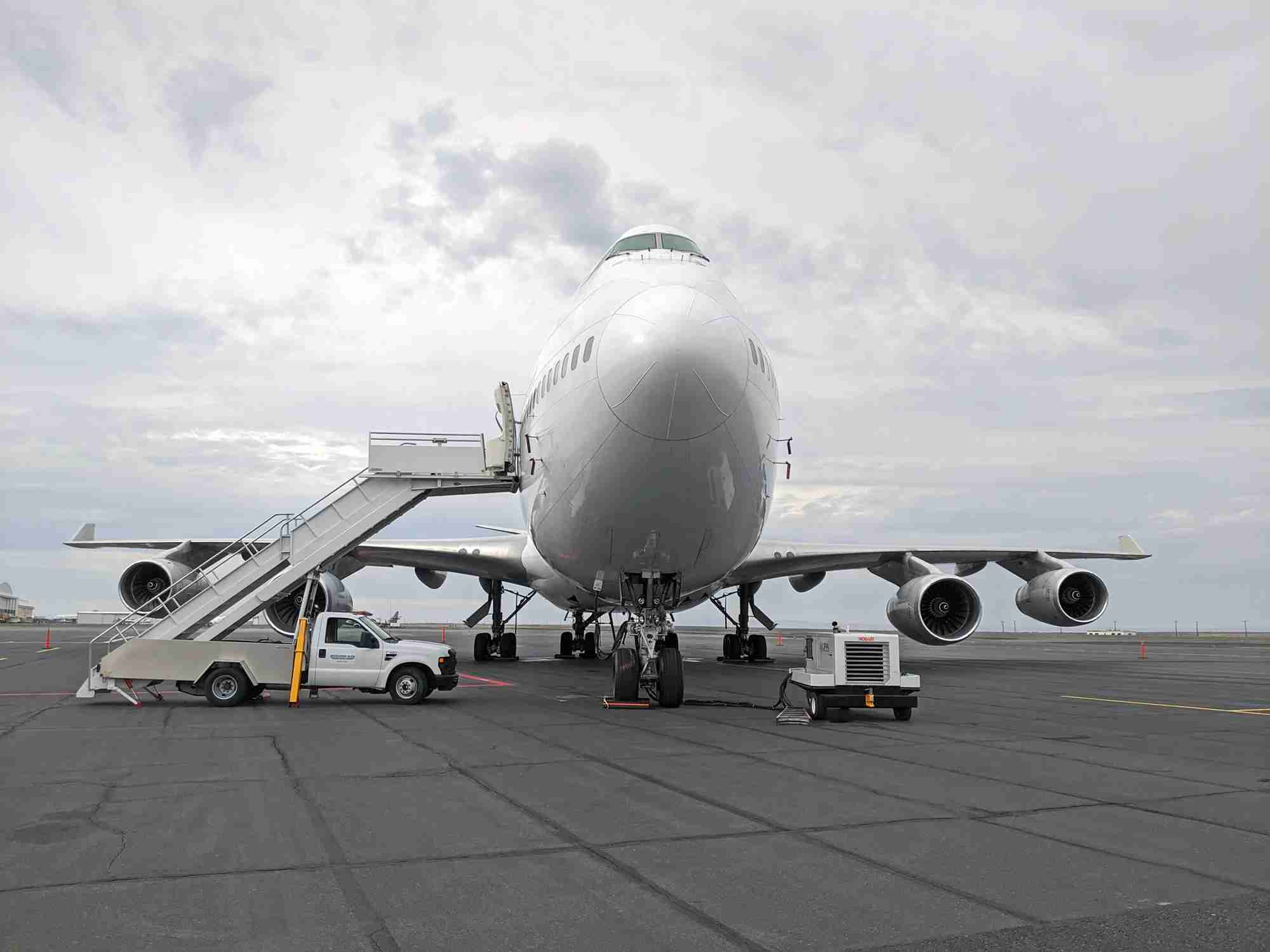 Airstairs and a ground-power unit with a Boeing 747 (Photo by Alberto Riva/TPG)
